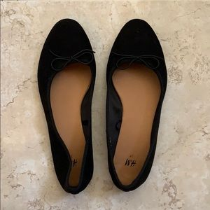 New H&M Women's Black Flats Bow tie front Size 6